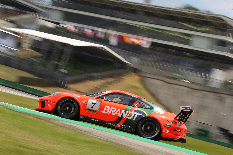 Photo of Porsche Cup – Miguel Paludo e Eloi Khouri são os poles na decisão da Porsche Império Carrera Cup em Interlagos