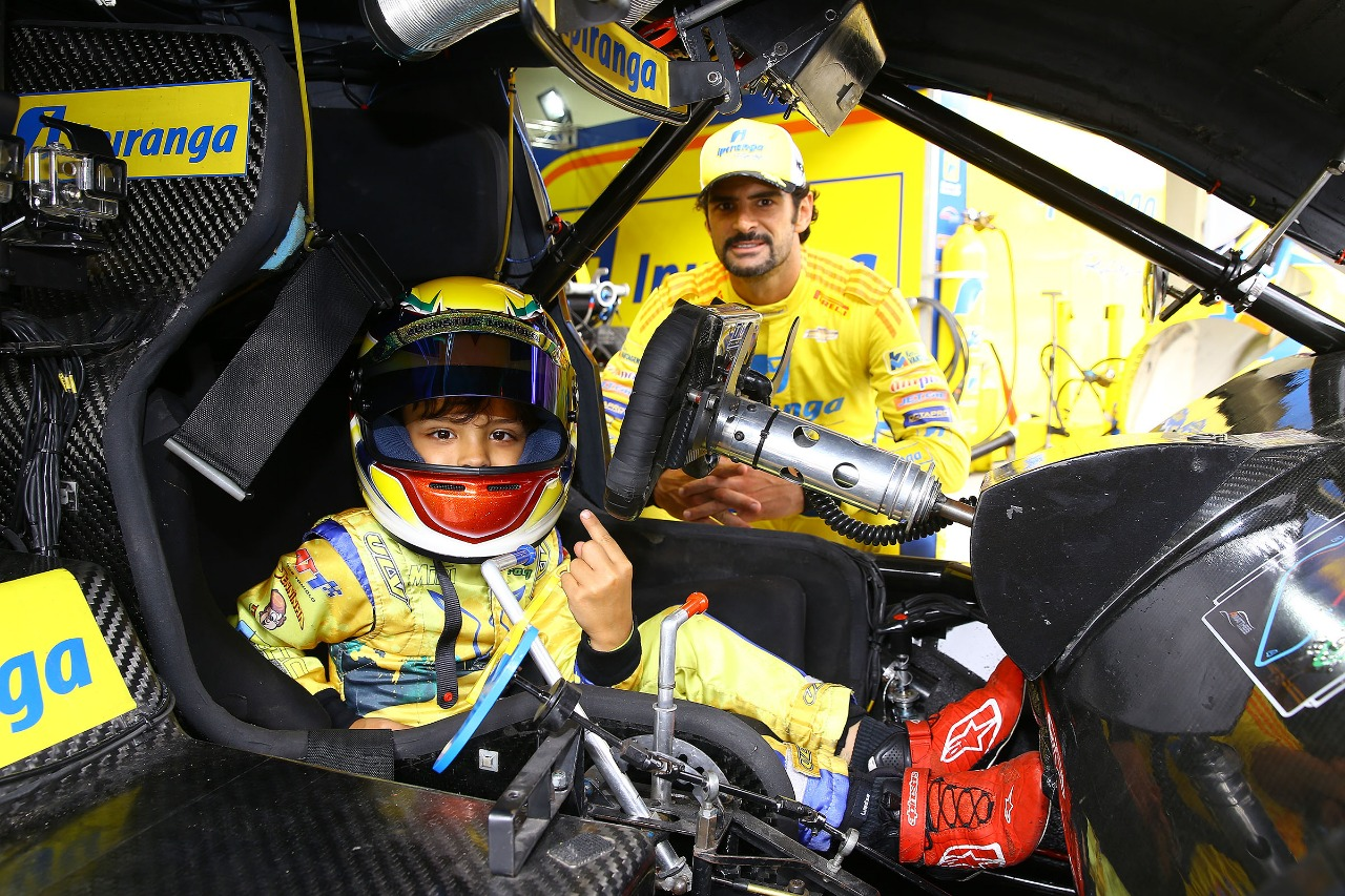 Photo of Kart – Augustus Toniolo conhece Stock Car a convite de Thiago Camilo e conquista vice na Copa Super Paraná