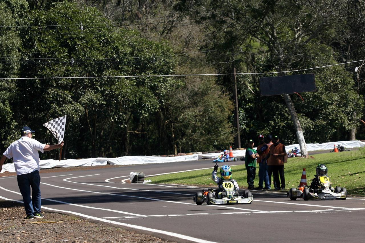 Photo of Kart – Firás Fahs supera expectativas em seu primeiro ano na Cadete