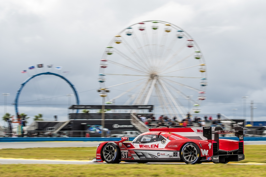 Photo of Endurance – 24H de Daytona: Trio Nasr/Derani/Curran larga em 5º. Albuquerque/Fittipaldi/Barbosa tem problemas
