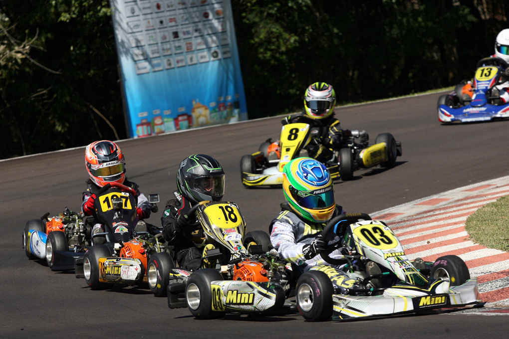 Photo of Kart – Firás Fahs inicia a temporada na 1ª etapa do  Metropolitano de Cascavel