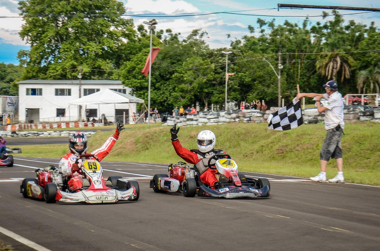 Photo of Kart – Equipe Lefafarma | Trevisol dominou e fez dobradinha nas 4 Horas VKC / C3 Telecom