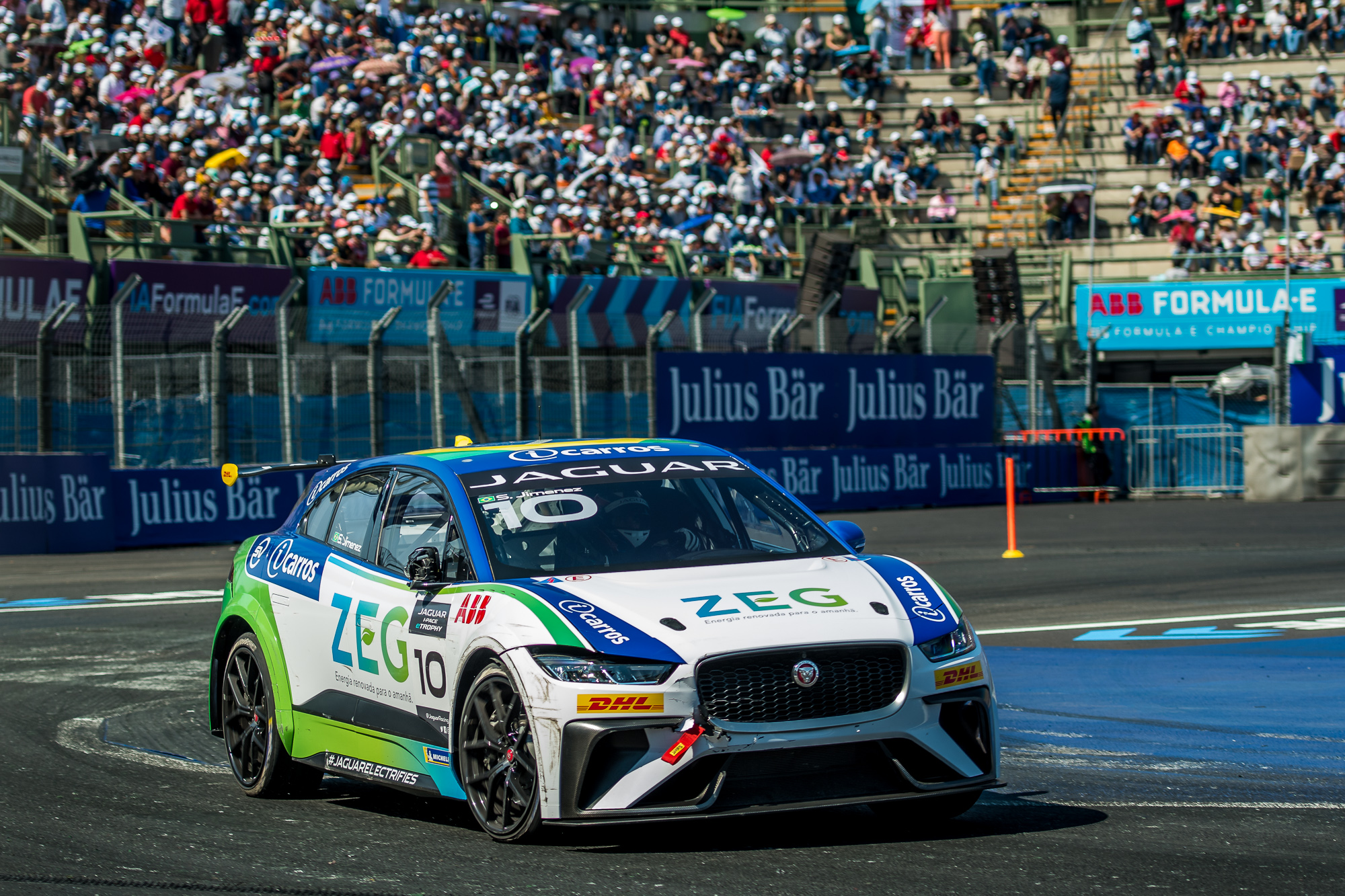 Photo of eTrophy – Sergio Jimenez sobe no pódio do Jaguar I-PACE eTROPHY e embola disputa pela liderança do campeonato