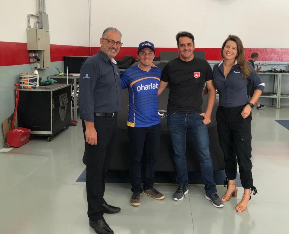 Photo of Stock Car – Cavaleiro Sports renova com Felipe Lapenna e Denis Navarro para temporada 2019