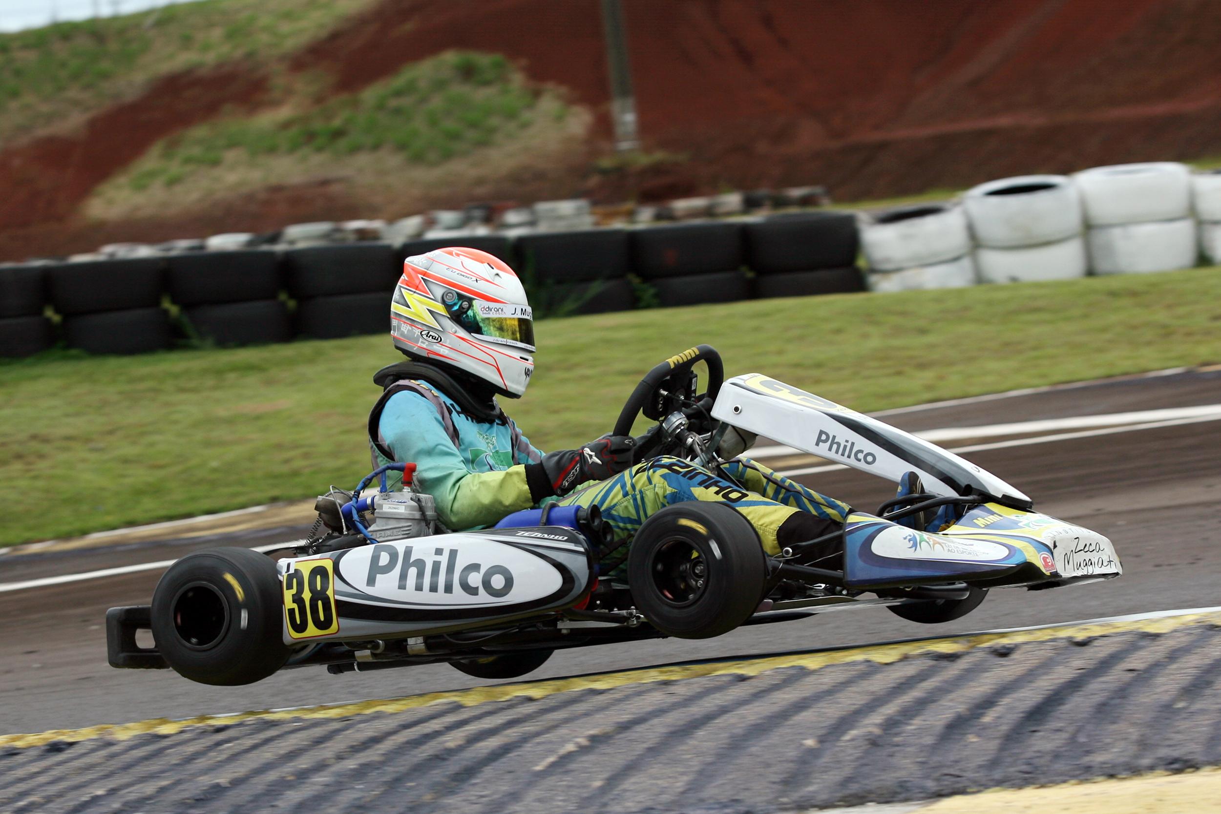 Photo of Kart – José Muggiati Neto venceu no Metropolitano de Cascavel em sua estreia na categoria Graduados
