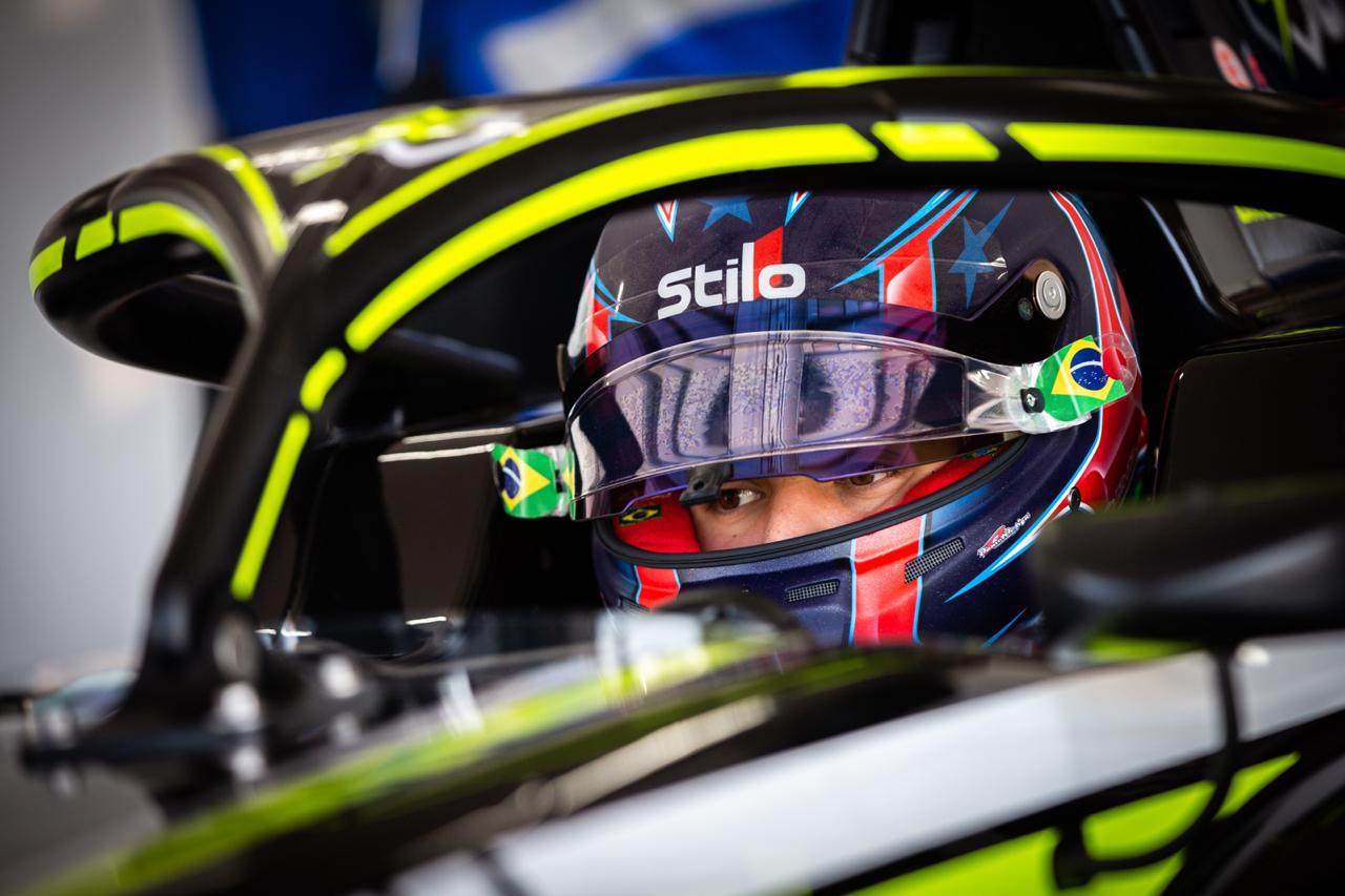 Photo of F3 – Felipe Drugovich encerrou 1ª sessão de testes coletivos do Campeonato de Fórmula 3 FIA no Top 10