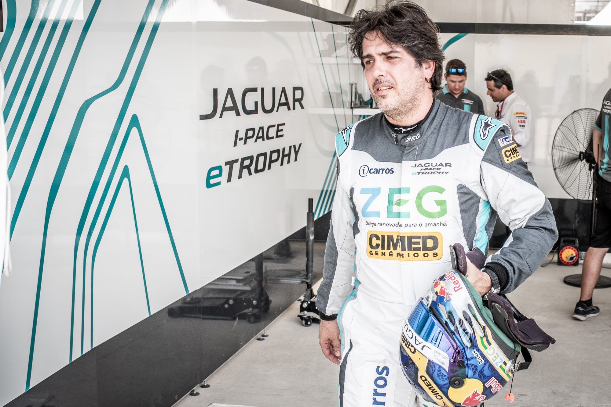Photo of eTrophy – Apos conseguir a Pole Na China, Cacá Bueno conquista primeira vitória do Brasil no Jaguar I-PACE e-TROPHY