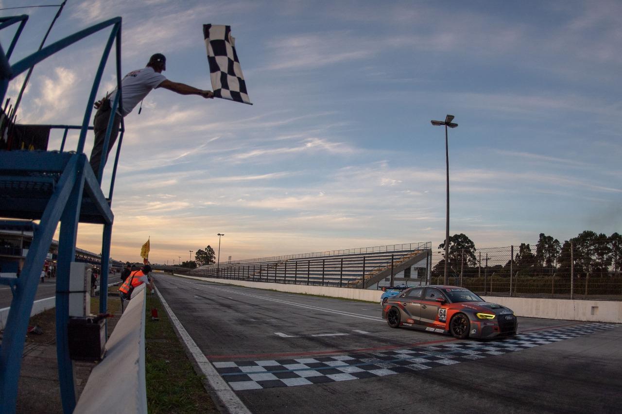 Photo of Endurance – Audi RS3 da Eurobike termina em terceiro na abertura do Endurance Brasil