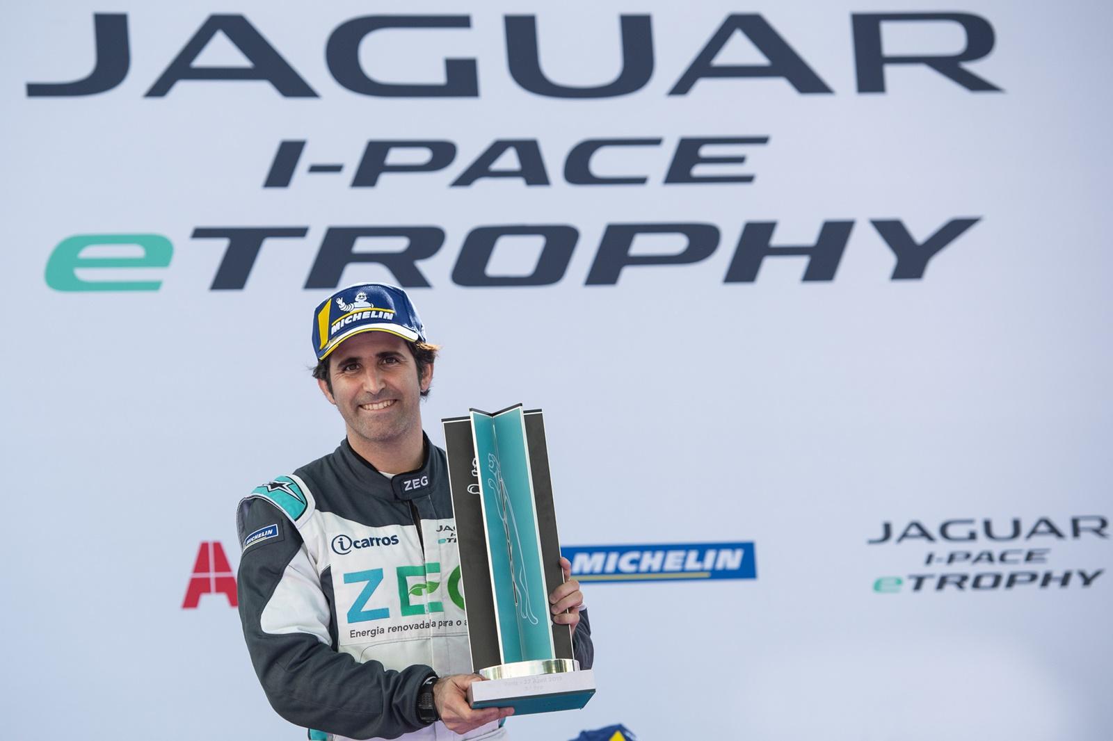 Photo of eTrophy – Jaguar Brazil Racing conquista sexto pódio consecutivo com 3º lugar de Jimenez em Paris