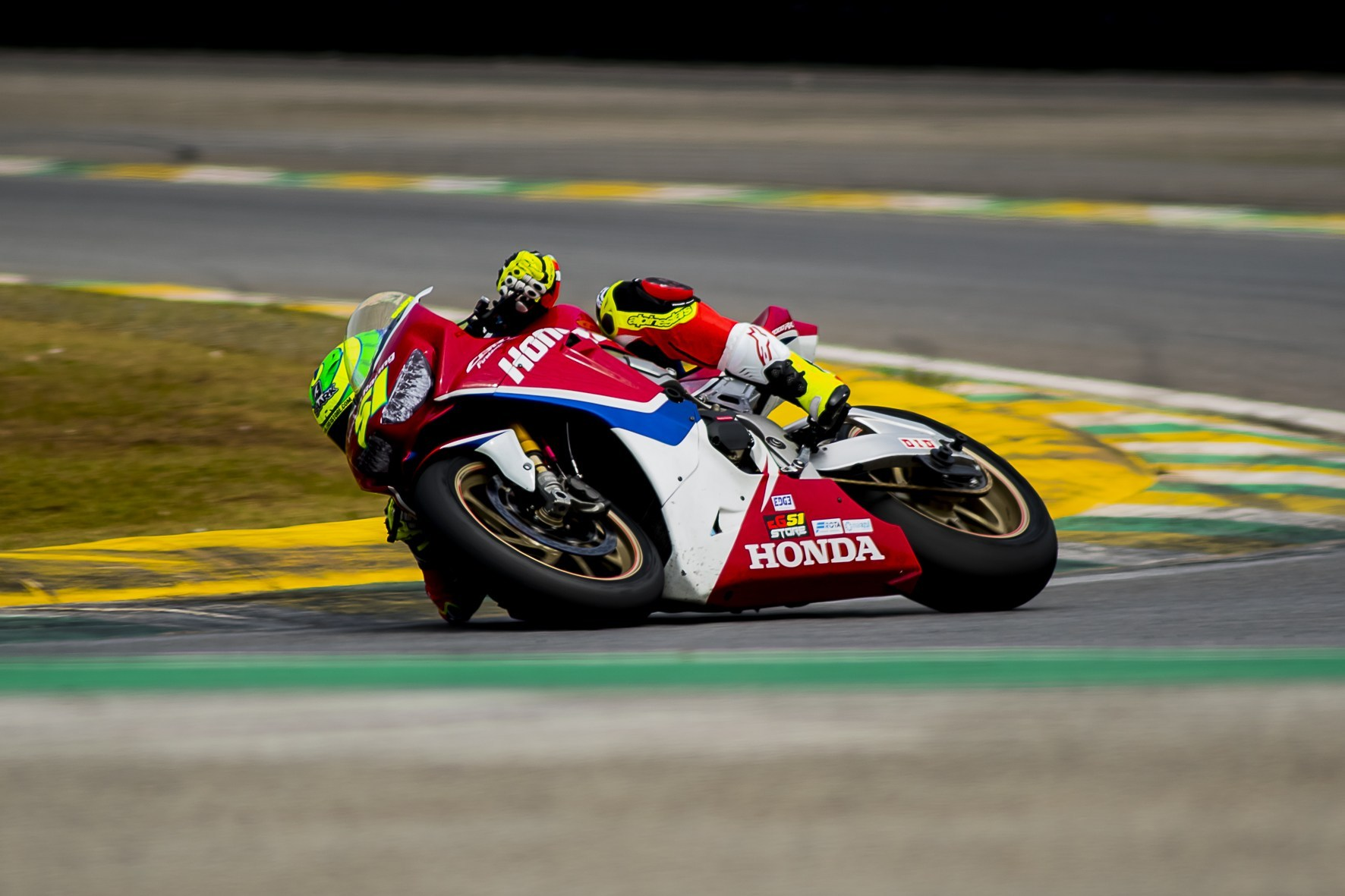 Photo of Superbike Brasil – Eric Granado Faz a Pole Position Da 2ª Etapa Do Superbike Brasil