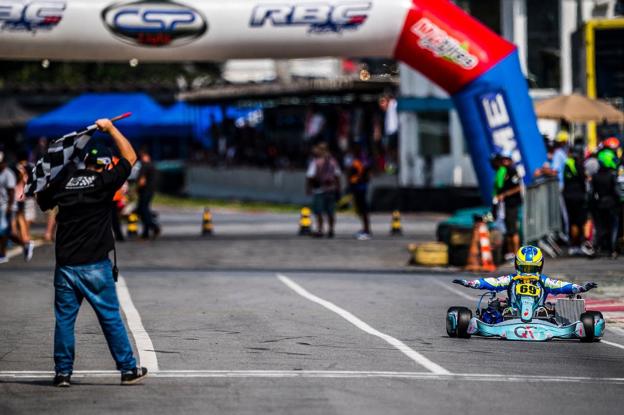 """Photo of Kart – Pedro Clerot dominou 100% e fez """"barba, cabelo e bigode"""" na 4ª etapa da Copa São Paulo Light de Kart"""