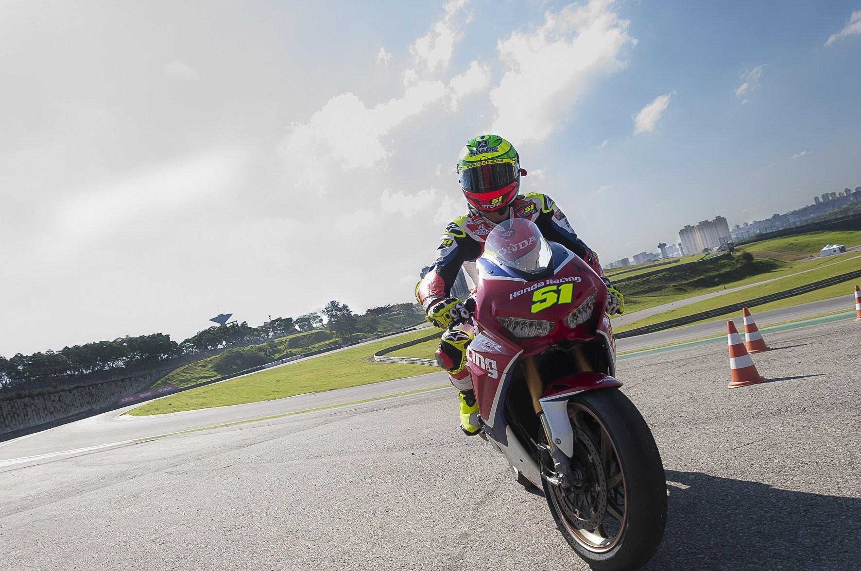 Photo of Superbike Brasil – Honda Suspende Participação No SuperBike Brasil