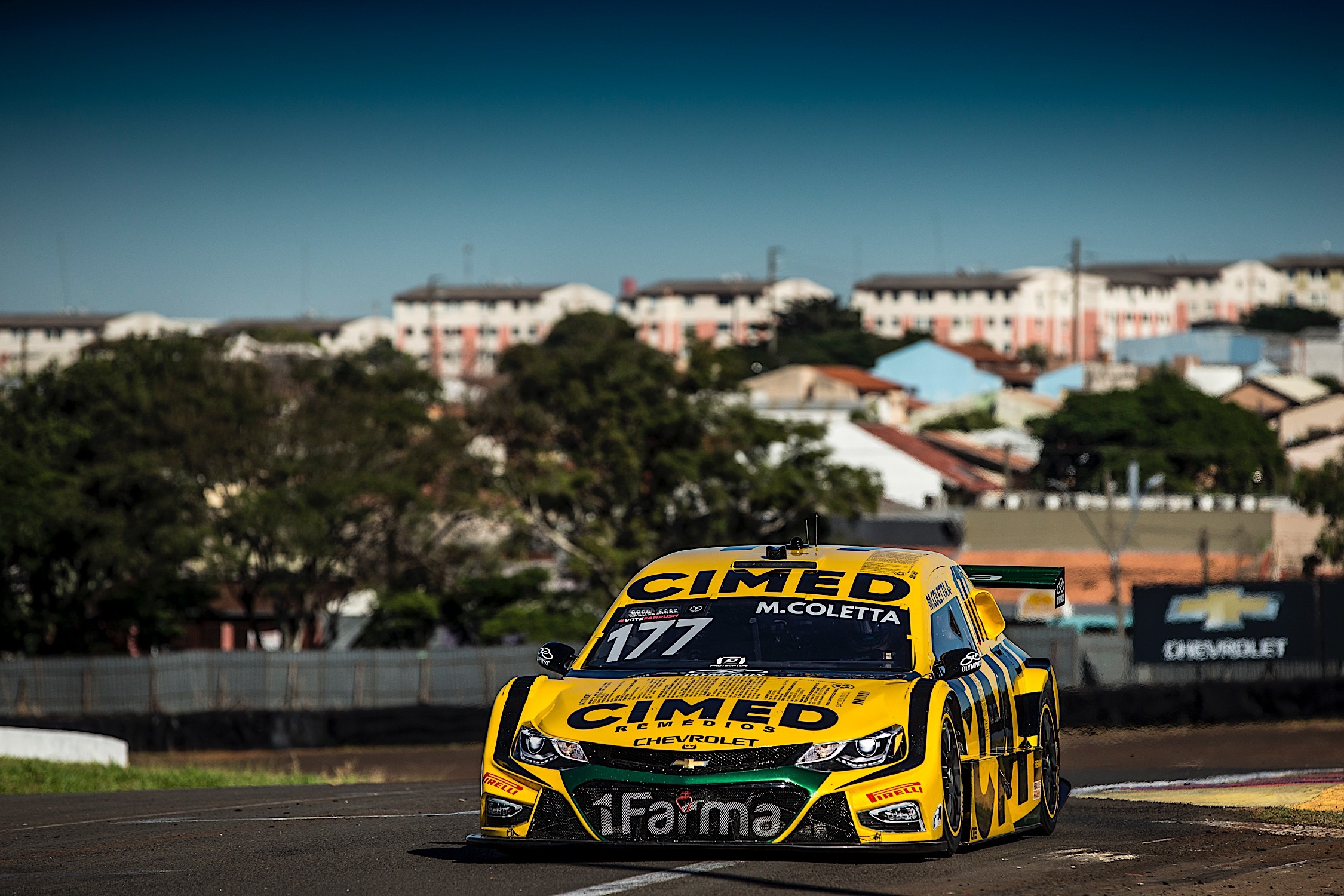 Photo of Stock Car – Com 17 anos, Marcel Coletta se destaca em Londrina e larga na 7ª fila da Stock Car