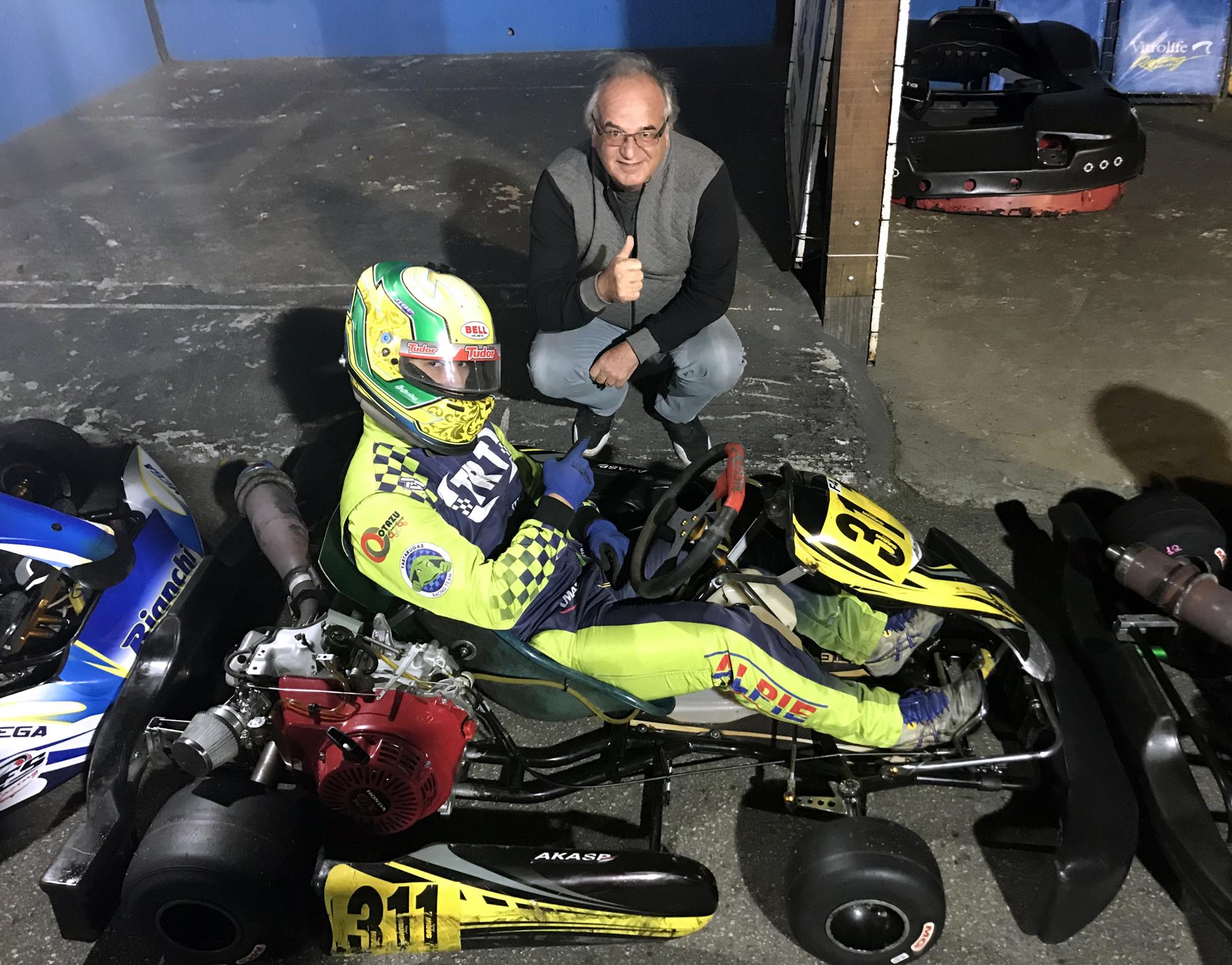 Photo of Kart – Alberto Otazú vence novamente na F-4 da Akasp
