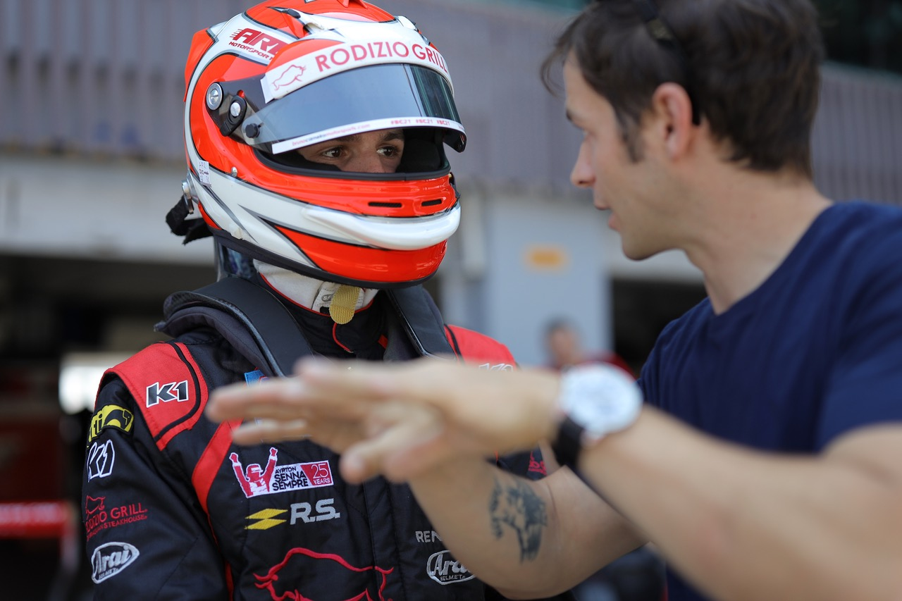 Photo of F3 – Bruno Carneiro Vence sua primeira corrida na Formula Renault Asiatica