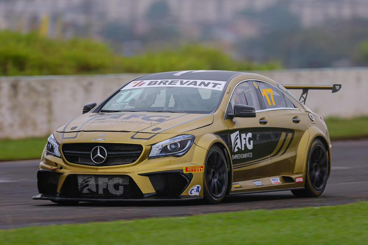 Photo of Mercedes-Benz Challenge – Raijan larga da primeira fila em Londrina