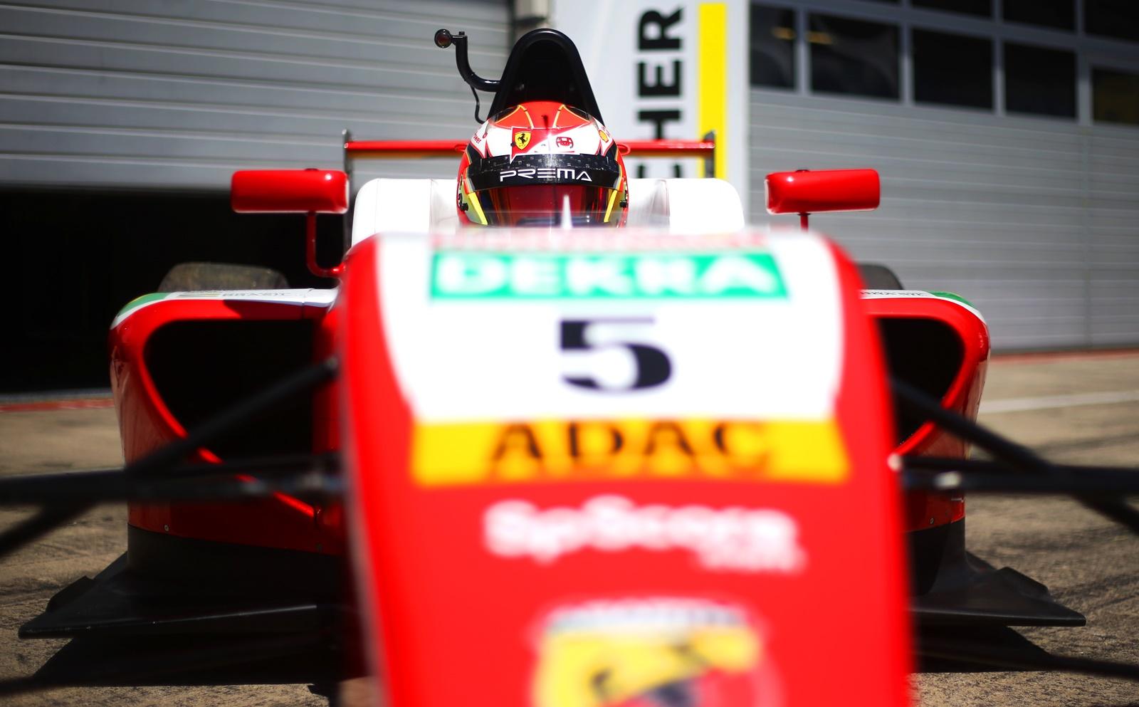 Photo of F4 – Gianluca Petecof volta ao Alemão de Fórmula 4 e corre preliminar da Fórmula 1 em Hockenheim