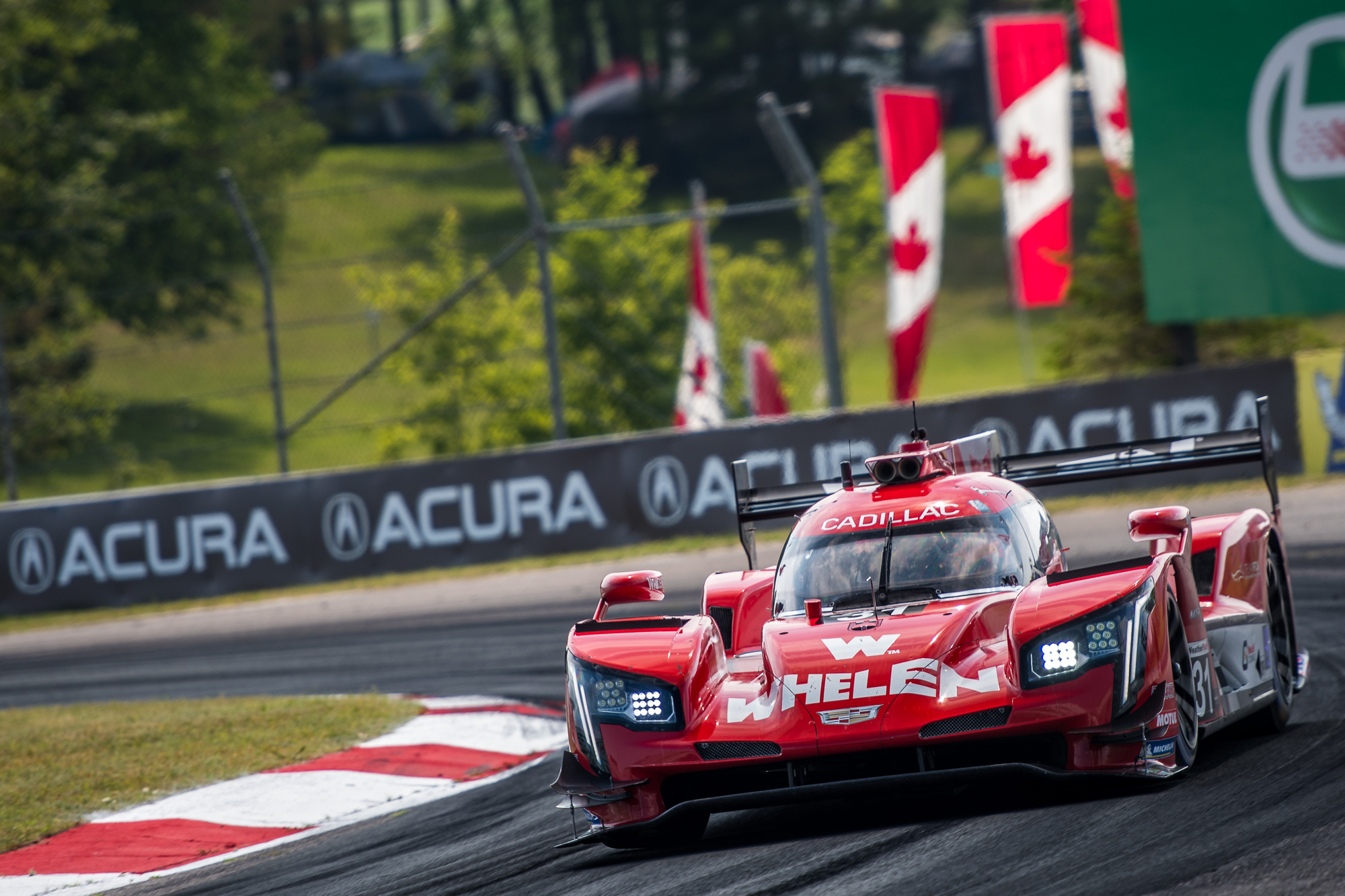 Photo of IMSA – Quarto lugar no Canadá mantém Nasr e Derani na briga