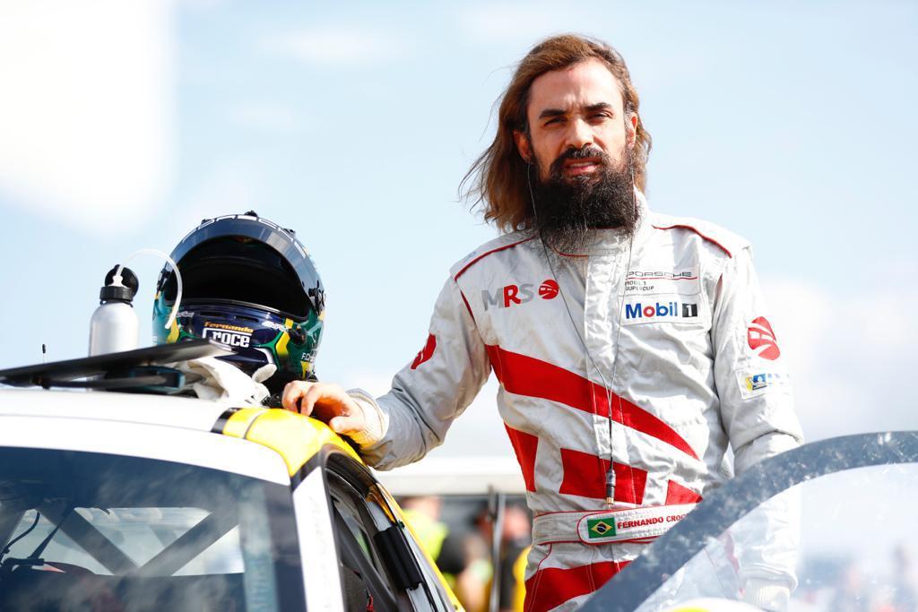 Photo of Porsche Cup – Fernando Croce interrompe temporada na Porsche Mobil Super Cup