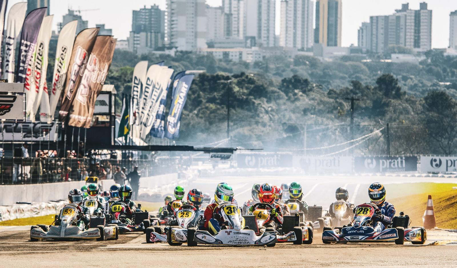 Photo of Kart – Sucesso total no encerramento do 54º Brasileiro de Kart – Prati Donaduzzi