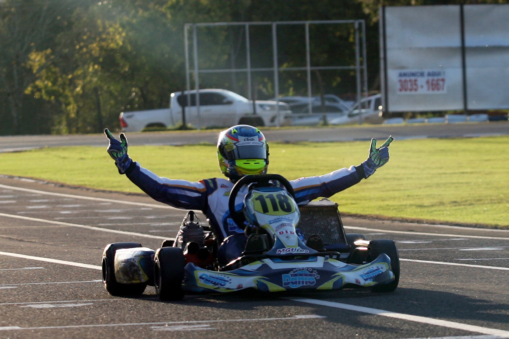 Photo of Kart – Júnior Flores é o campeão da Novatos no Open do Brasileiro