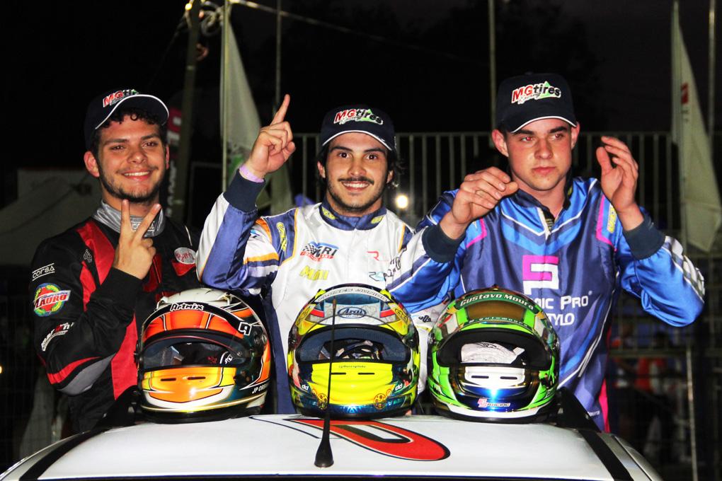 Photo of Kart – Com largada perfeita, Júnior Flores é o campeão da Novatos no Brasileiro de Kart