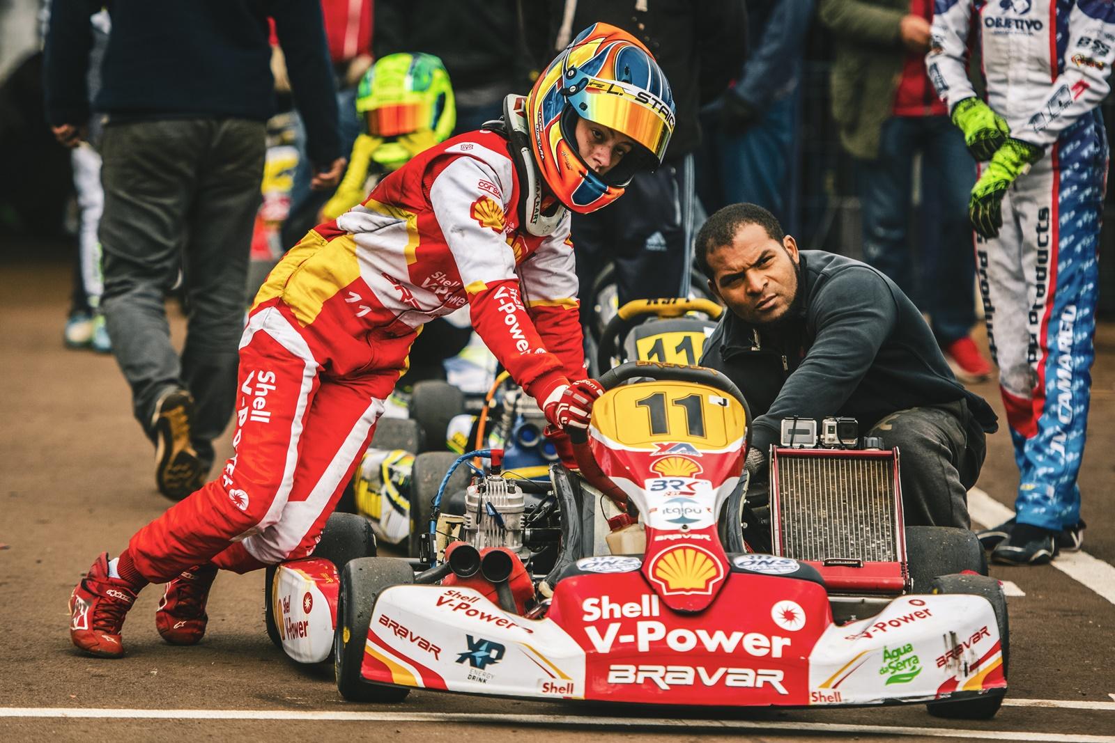 Photo of Kart – Lucas Staico arrebata o Brasileiro de kart na Júnior e mantém hegemonia da Academia Shell na categoria
