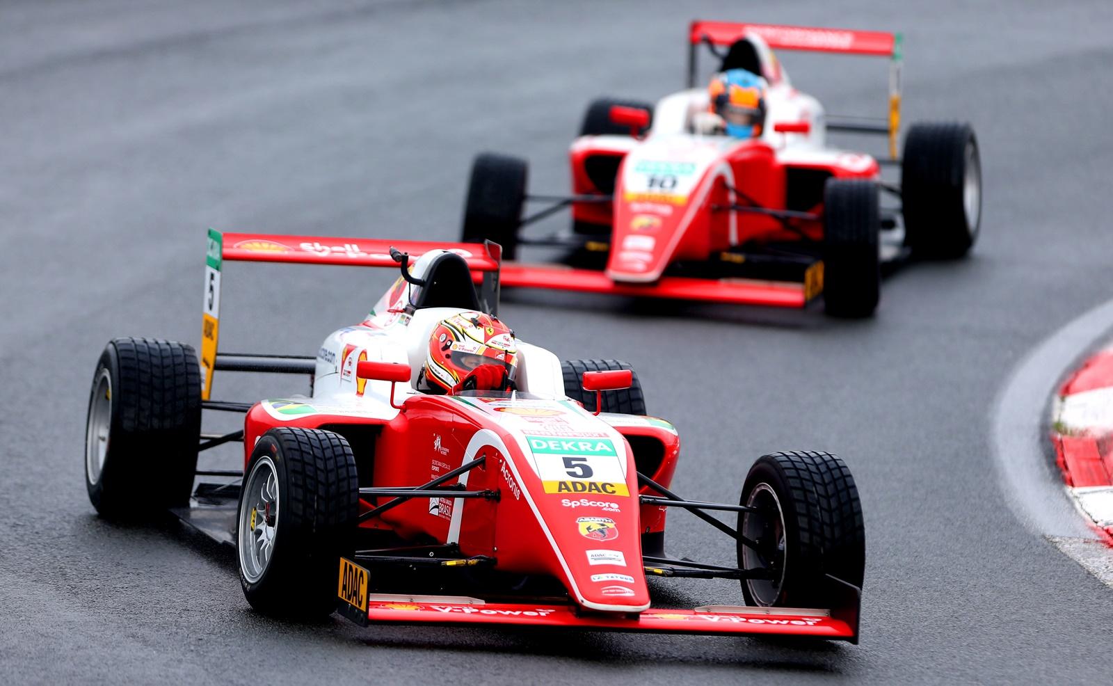 Photo of F4 – Com mais um top5, Gianluca Petecof sobe para terceiro no Alemão de Fórmula 4 e faz pole para corrida 2