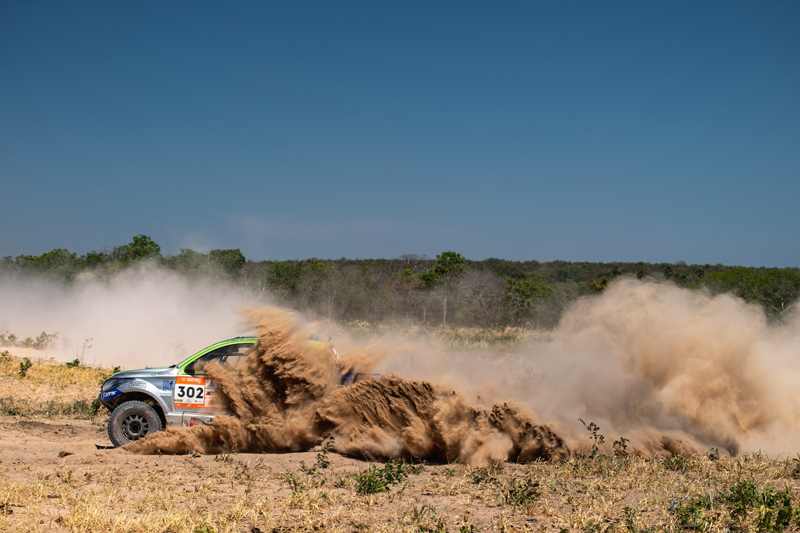 "Photo of Rally – ""Professor"" Spinelli vence nos carros enquanto o ""imperador"" Maciel segue dominando nas motos"