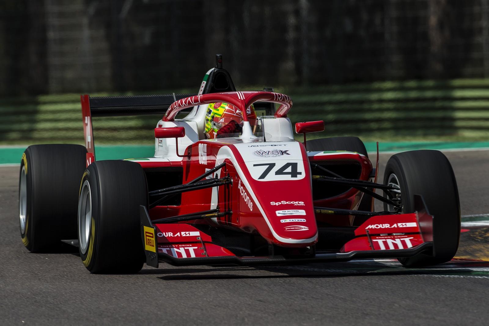 Photo of F3 – Enzo Fittipaldi larga na primeira fila em duas provas da F3 em Ímola