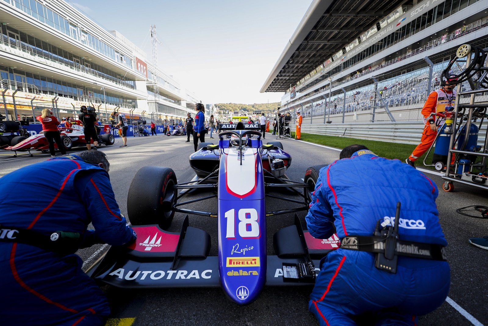 Photo of F3 – Pedro Piquet fica perto de mais um pódio na Fórmula 3, mas carro tem problemas no fim em Sochi