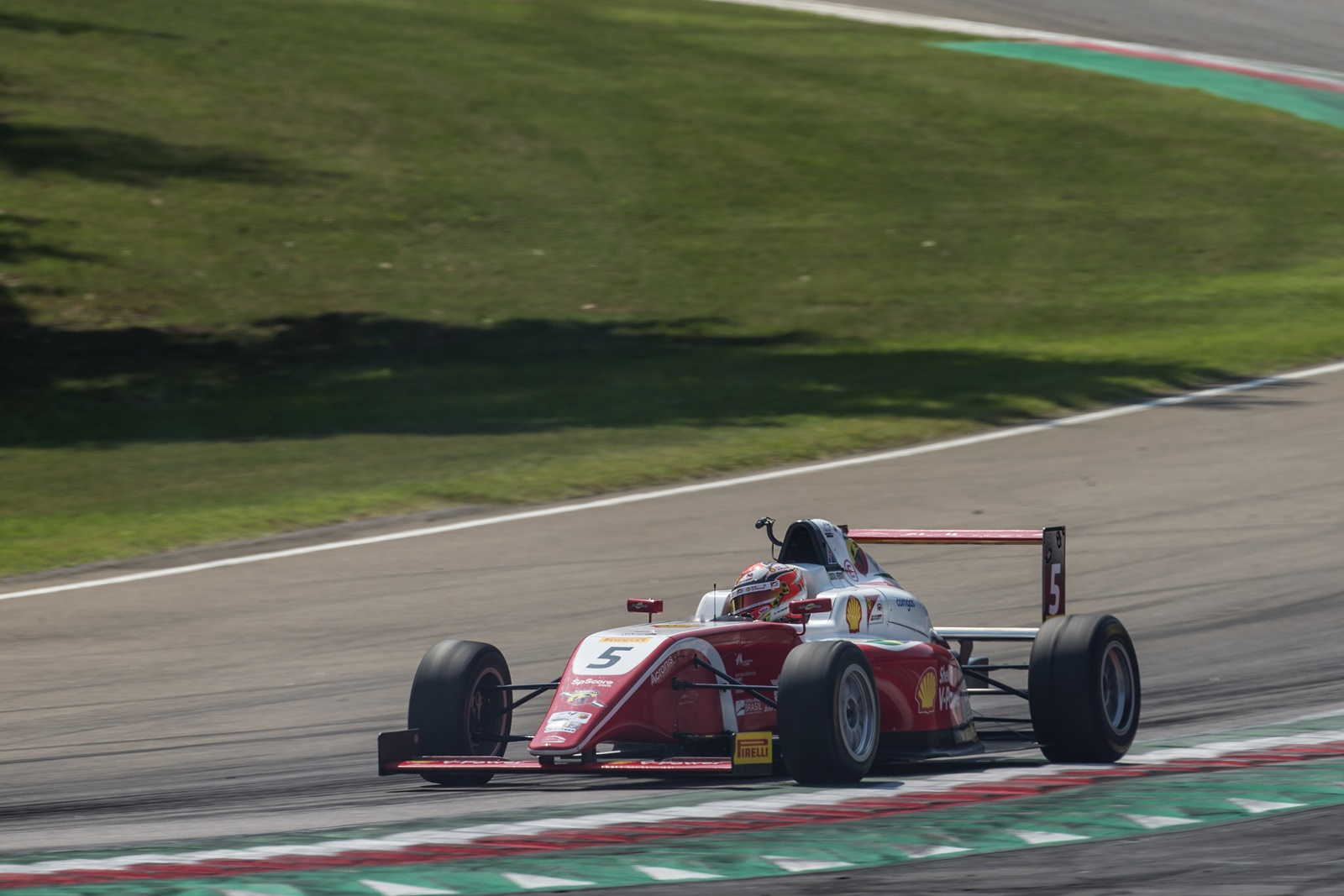 Photo of F4 – Gianluca Petecof arranca pódio na última volta em Imola pelo Italiano de Fórmula 4