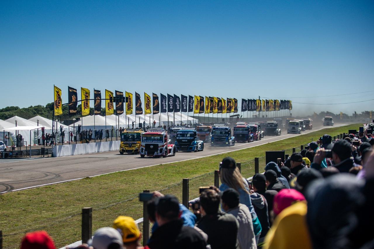 Photo of Truck – Diante de 34 mil pessoas, Beto Monteiro domina etapa de Rivera e conquista título da Terceira Copa