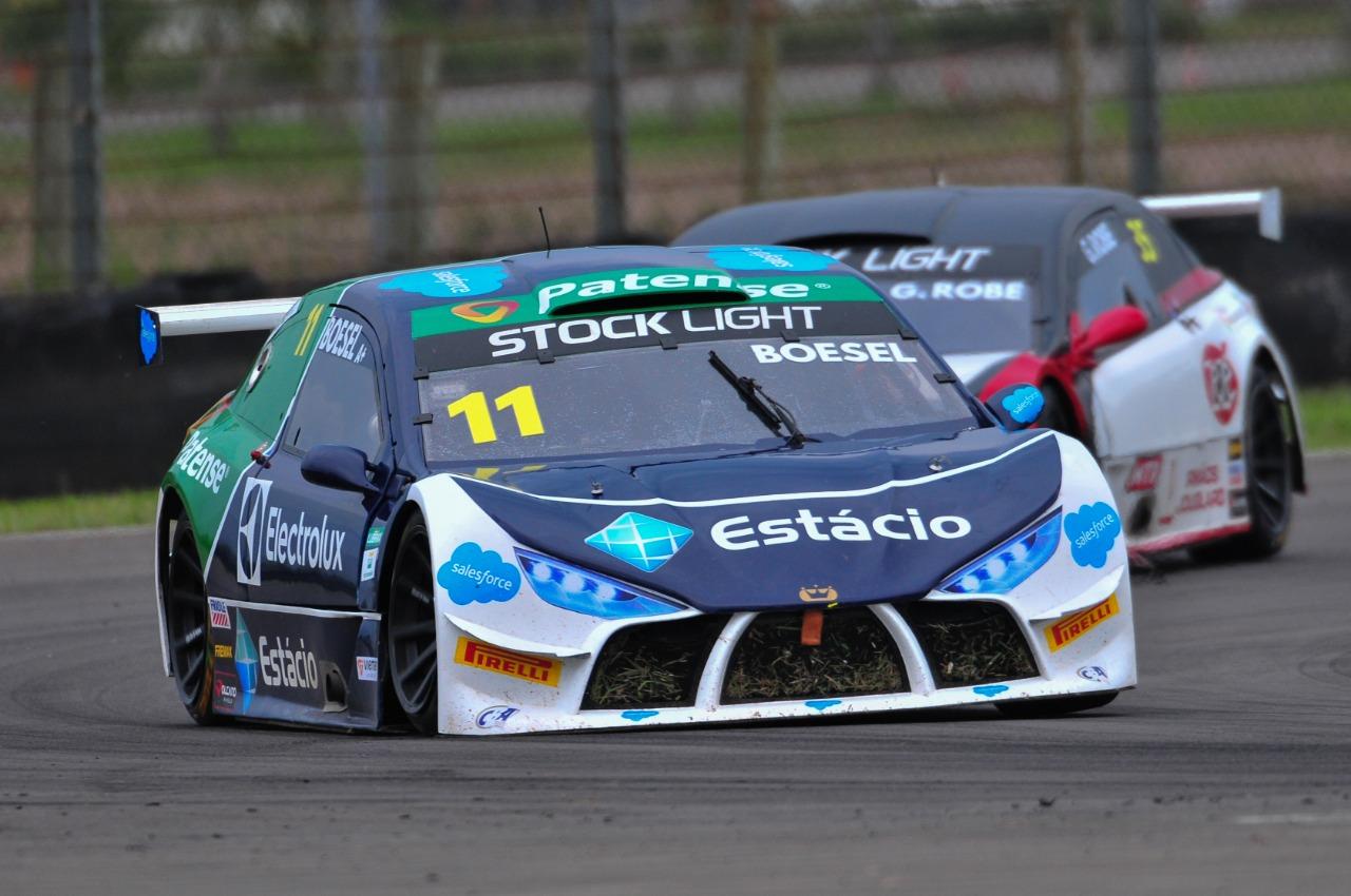 Photo of Stock Light – Pedro Boesel sobe para terceiro lugar no campeonato após rodada dupla no Velopark