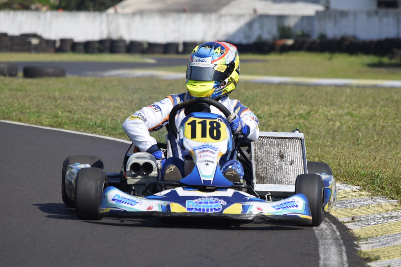 Photo of Kart – Júnior Flores treina no Beto Carrero