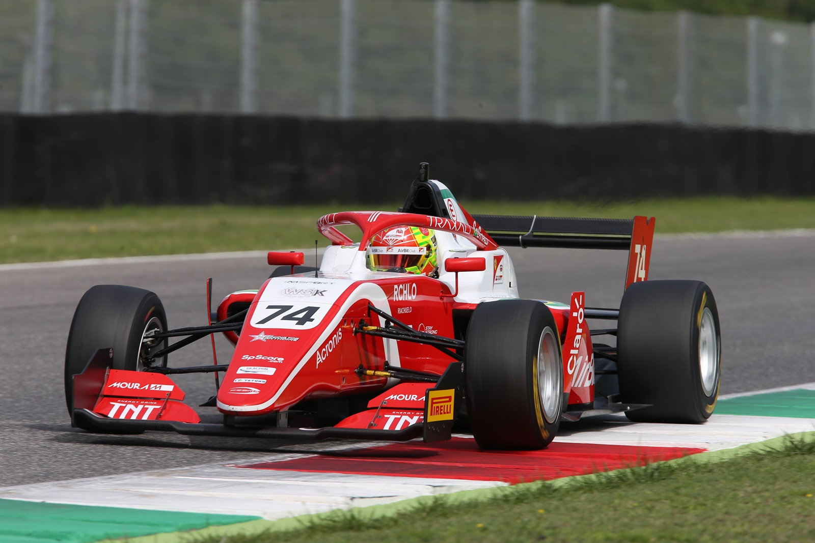Photo of F3 – Enzo Fittipaldi segue vice-líder na F3 antes da etapa final em Monza