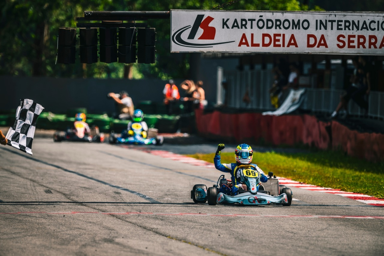 Photo of Kart – Pedro Clerot é vice-líder da Copa São Paulo Light de Kart após disputar a 8ª etapa no último sábado