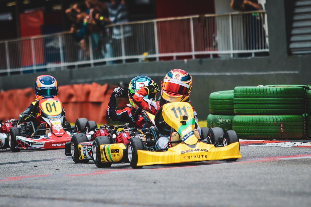 Photo of Kart – Augustus Toniolo vence prova em penúltima etapa do Paulista Light e homenageia Ayrton Senna