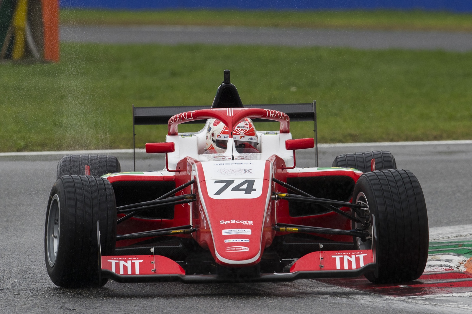 Photo of F3 – Enzo Fittipaldi disputa GP de Macau com a Sauber após conquistar vice na F3
