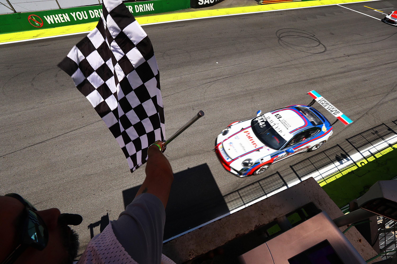 Photo of Porsche Cup – Marçal Müller é o campeão da Porsche Império Carrera Cup 4.0 em dia de vitória de Ricardo Baptista