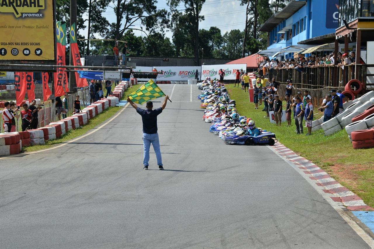 Photo of Kart – Primeira etapa da Copa São Paulo de Kart é marcada por grandes disputas e novos motores Rotax no KGV