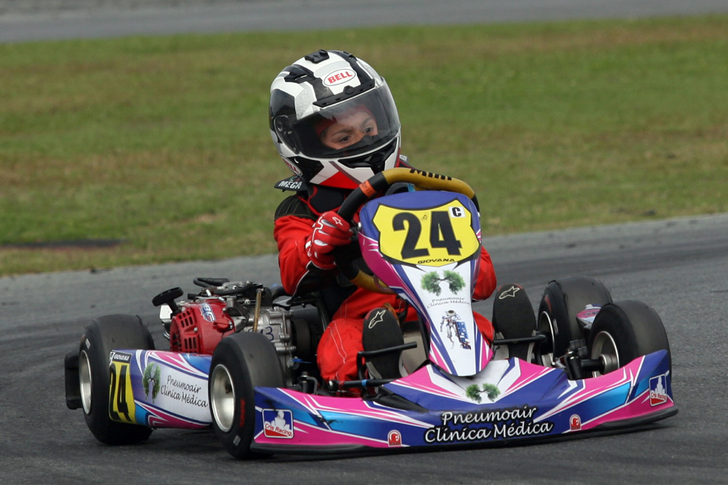 Photo of Kart – Giovana Marinoski, nova promessa do Kart do Paraná