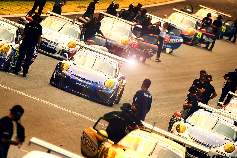 Photo of Porsche Cup – Miguel Paludo e Alceu Feldmann vencem pela Carrera Cup em Interlagos